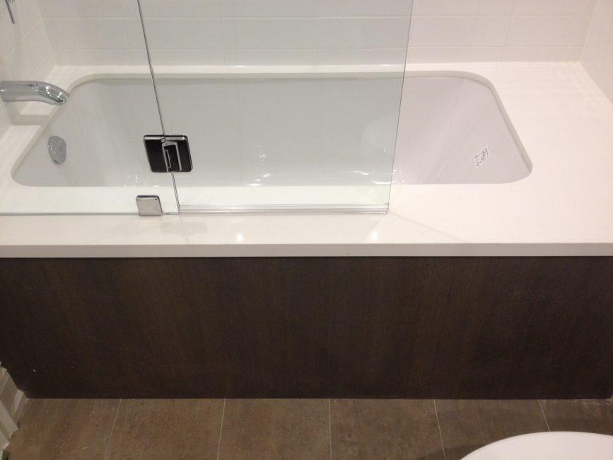 Custom white tub